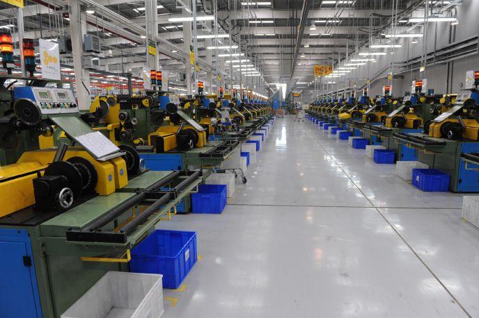 华勤橡胶集团钢帘线生产车间